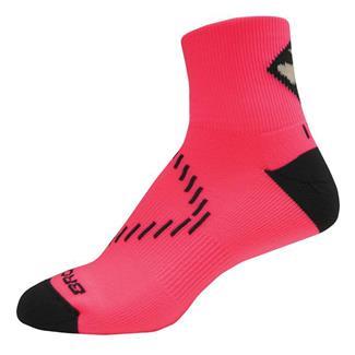 Brooks NightLife Quarter Socks Brite Pink / Dark Gray