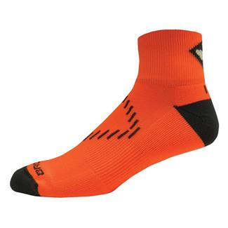 Brooks NightLife Quarter Socks Brite Orange / Dark Gray
