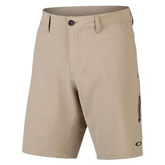 Oakley Icon Chino Hybrid Shorts Rye
