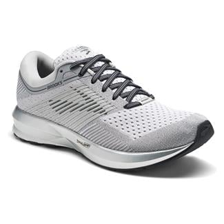 Brooks Levitate White / Silver
