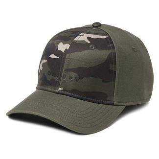 Oakley 6 Panel Camo + Solid Hat Dark Brush